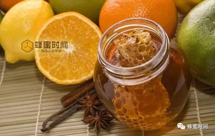 差蜂蜜 蜂蜜柚子茶经期能喝吗 泡蜂蜜水温 蜂蜜柠檬菊花 肚子饿蜂蜜