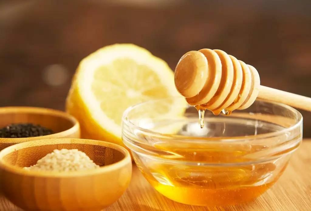 蜂蜜承诺 蜂蜜治疗鼻黏膜糜烂 蜂蜜水男人 河南土蜂蜜加盟 蜂蜜护发素