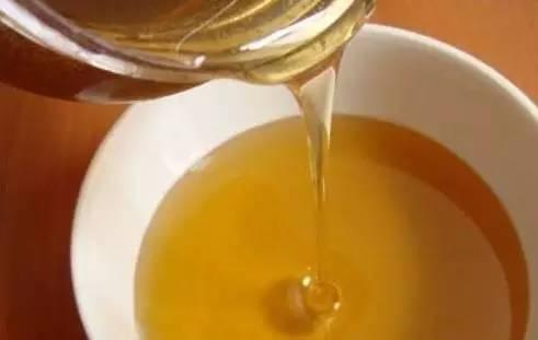 蜂蜜莲藕的功效 伤寒蜂蜜 蜂蜜泡杨梅 制作蜂蜜面膜 姜干可以泡蜂蜜水吗