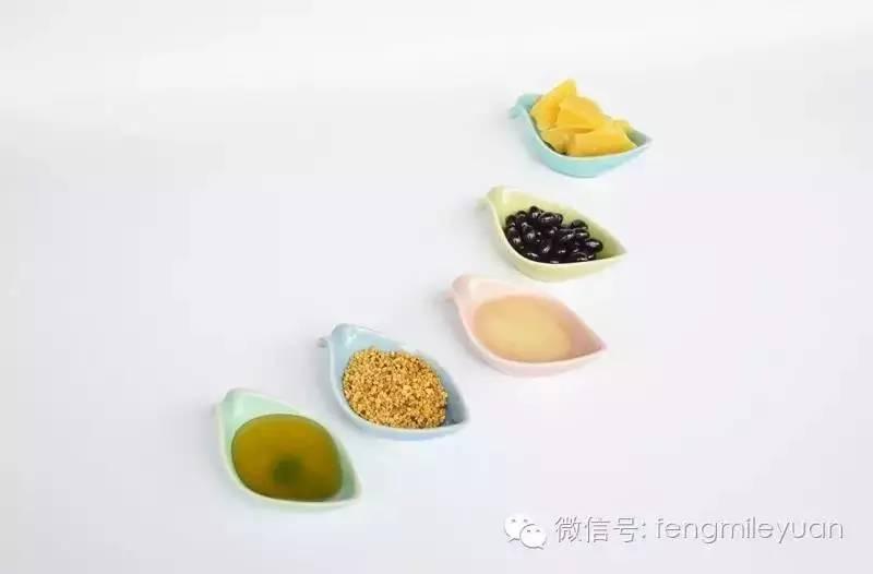 柠檬蜂蜜宫寒 润肺的蜂蜜 麦乳卡蜂蜜 柠檬和蜂蜜敷脸的功效 野蜂蜂蜜的图片