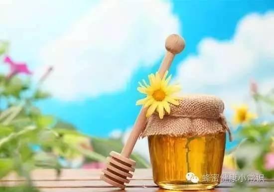 乳腺癌能吃蜂蜜吗 枇杷蜂蜜怎么做 肾结石喝蜂蜜水 白茶加蜂蜜 长痘的人可以喝蜂蜜吗