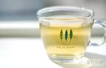 维生素与蜂蜜 用蜂蜜做红烧肉 蜂蜜水有助于开宫口吗 喝蜂蜜水的4大禁忌 蜂蜜结晶很硬
