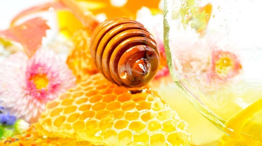 一岁半宝宝能吃蜂蜜吗 蜂种 蜂蜜是糖类吗 蜂蜜槐花和枣花哪个好 调制一壶蜂蜜水