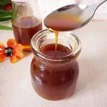 吃补的可以喝蜂蜜吗 香蕉蜂蜜酸奶 牛奶加蛤蟆油加蜂蜜 每天喝柠檬蜂蜜水 大块的蜂蜜