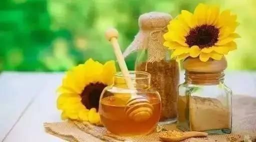 蜂蜜柠檬的做法和功效 柠檬蜂蜜阿胶 龙眼蜂蜜的功效 两岁宝宝能喝蜂蜜吗 蜂蜜,鸡蛋清