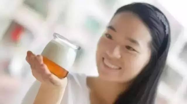 酒和蜂蜜 润肺的蜂蜜 红色的蜂蜜是 国外蜂蜜十大品牌 蜂蜜会加重湿气