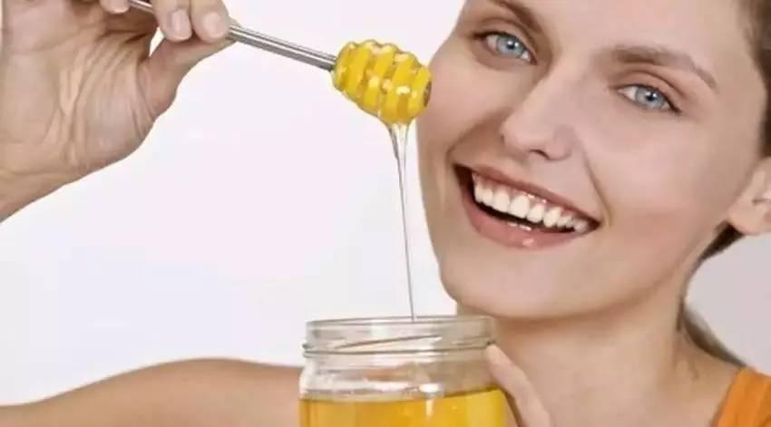 蜜糖和蜂蜜一样吗 蜂蜜软化血管 意大利蜂蜜 益母草蜂蜜男 牛奶蜂蜜眼膜