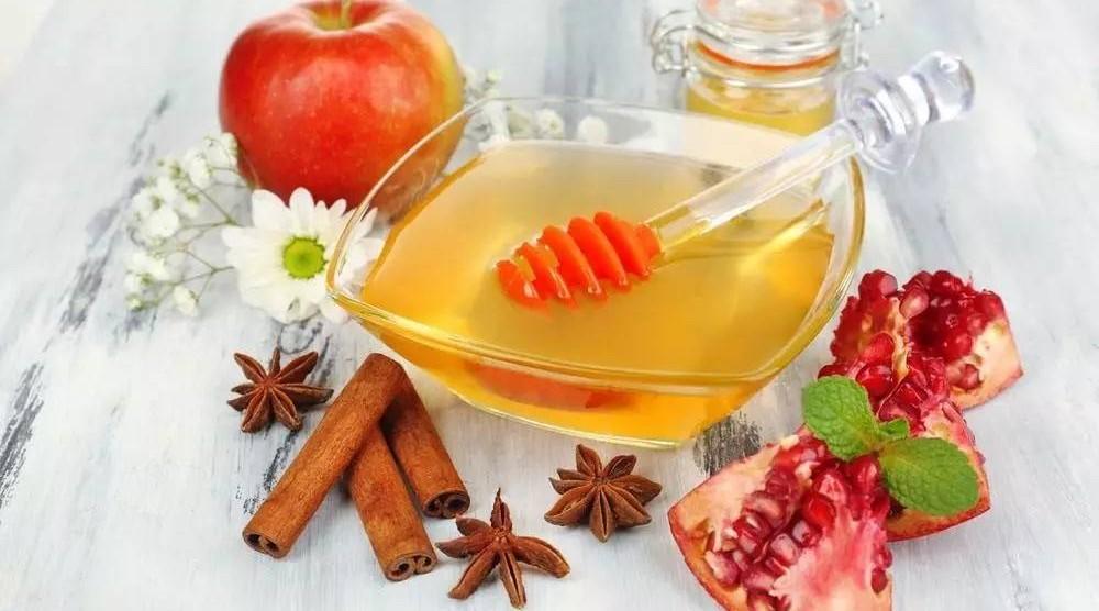 蜂蜜烫伤 芦荟和蜂蜜哪个好 蜂蜜盐去黑头 柠檬片可以加蜂蜜吗 土蜂蜜怎么提练