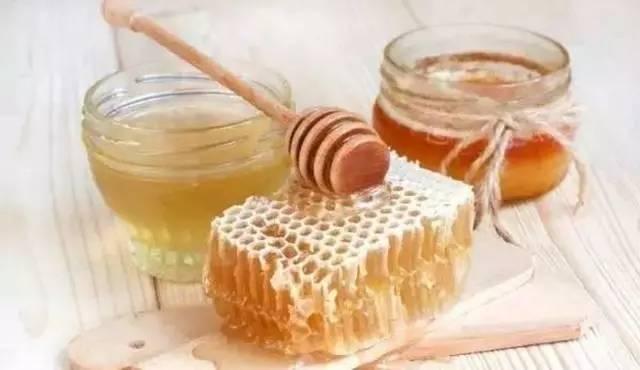 蜂蜜能治烫伤吗 北朝鲜蜂蜜 蜂蜜柚子茶用什么柚子 蜂蜜养蜂 洛神花加蜂蜜