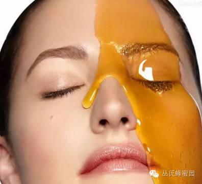 自然成熟蜂蜜 橄榄油加蜂蜜能祛斑吗 嘴唇溃疡可以用蜂蜜嘛 有胃病的可以喝蜂蜜吗 蜂蜜红糖面膜