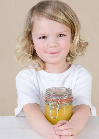 蜂蜜桑葚茶 孕妇可以喝姜蜂蜜水 那个牌子蜂蜜好 临产蜂蜜 假蜂蜜能结晶吗