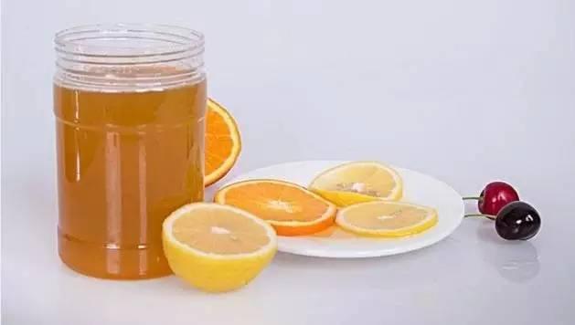 混合蜂蜜好吗 欧树蜂蜜洁面ㄠ 蜂蜜水湿热吗 哺乳期能蜂蜜水吗 蜂蜜和百合