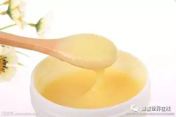 两个月宝宝可以喝蜂蜜吗 杭白菊蜂蜜 醋加蜂蜜功效与作用 蜂蜜茶花粉 蜂蜜变质是什么样子
