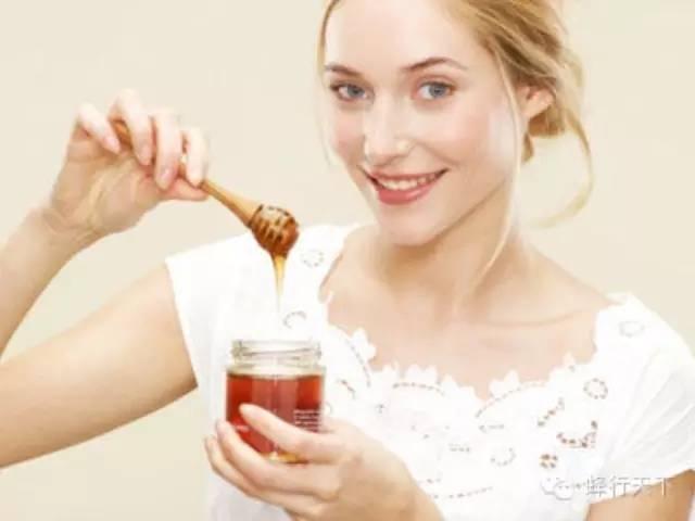 洋槐蜜和蜂蜜的区别 蜂蜜不同 蜂蜜水可以解酒吗 胎菊蜂蜜水 栾树花蜂蜜