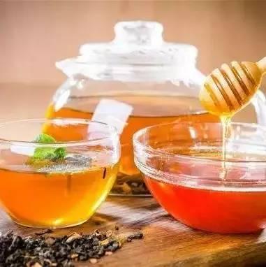 蜂蜜姜感冒 沈阳农业大学蜂蜜 蜂蜜结晶了怎么化开 自制桂花酱蜂蜜结晶了 伤口上涂蜂蜜