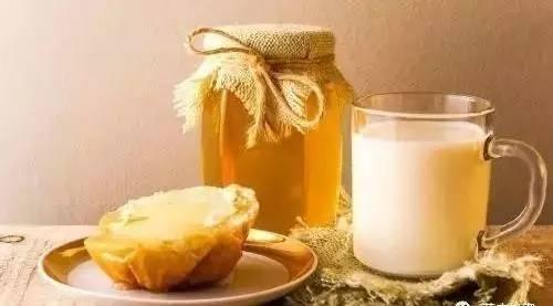 蜂蜜蛋糕博客 蜂蜜草果治疗胃病 白醋加蜂蜜 工业蜂蜜 高血压的人能吃蜂蜜吗