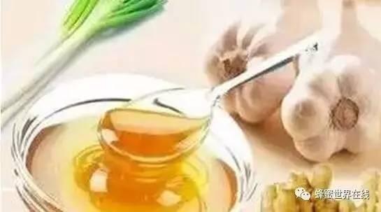 蜂蜜解油腻吗 沙拉蜂蜜图片 蜂蜜可以和红薯混吃吗 孕妇可以喝蜂蜜吗 五味子蜂蜜