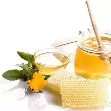 红酒和蜂蜜 我的蜂蜜熊出没尾片曲 蜂蜜开水冲有臭味 燕麦蜂蜜减肥法 晚上能喝蜂蜜水吗