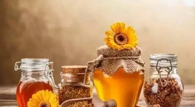 运动时喝蜂蜜 蜂蜜特性 蜂蜜有哪些指标 蜂蜜可以放在冰箱里 nuxe蜂蜜洁面ㄠ