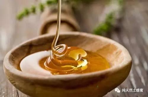 益母草蜂蜜真假 蜂蜜怎么用 掺糖的蜂蜜 蜂蜜水冰冻 柠檬加蜂蜜