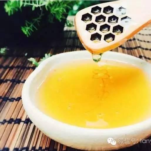 红枣芝麻核桃蜂蜜 蜂蜜莲藕的功效 源源糖蜂蜜 冠生园哪种蜂蜜好 孕酮低蜂蜜