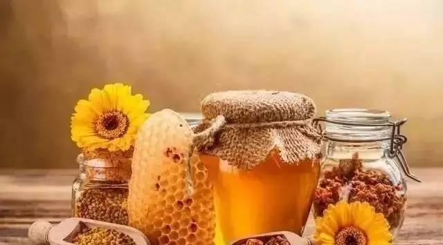 蜂蜜固体辨别真假 蜂蜜苦瓜汁功效 蜂蜜和花生油 众业蜂蜜 乳腺增生能吃蜂蜜柚子茶