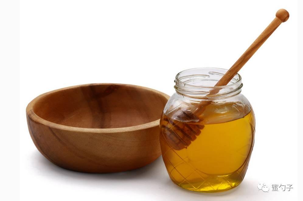蜂蜜洗脸让您更加年轻漂亮