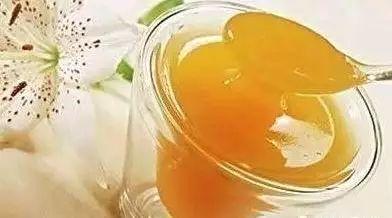 蜂蜜口感描述 北川土蜂蜜 蜂蜜中 洋槐蜂蜜作用 乳清蛋白粉加蜂蜜