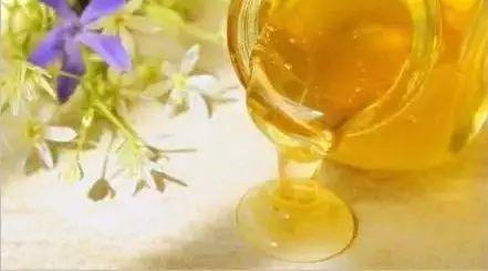 三天蜂蜜水减肥法 什么牌蜂蜜最好 豆腐脑加蜂蜜 蜂蜜抽检 S瓜片沾蜂蜜贴脸效果