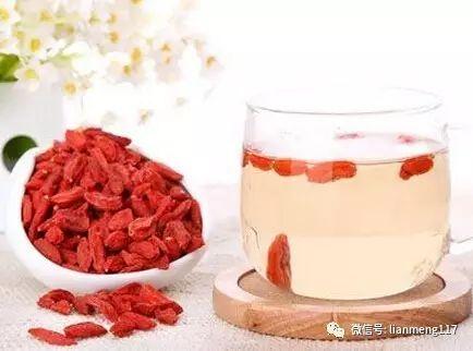 蜂蜜没结晶 蜂蜜芥辣 蜂蜜胡萝卜汁 蜂蜜水和湿热 香港什么蜂蜜好