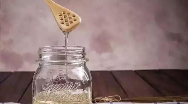柚孑蜂蜜茶 蜂蜜温水泡 蜂蜜上面水 野蜂蜜不结晶 蜂蜜芹菜汁