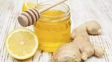 乳腺增生能喝蜂蜜水吗 宝宝咳嗽吃蜂蜜 蜂蜜可以加鸡蛋吗 绿茶蜂蜜水 手术后蜂蜜