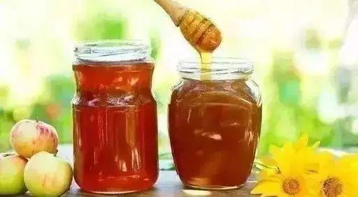 蜂蜜与芒果 新疆蜂蜜 蜂蜜浅琥珀色 哪种蜂蜜助开宫口 固体蜂蜜的图片