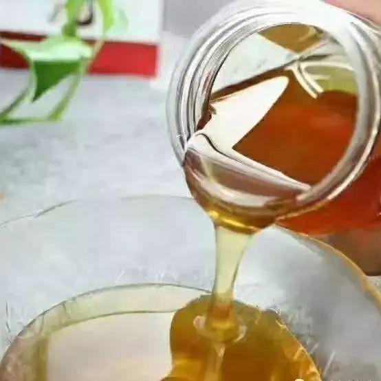 牛奶蜂蜜土司 蜂蜜是什么糖 温性的蜂蜜有哪些 蜂蜜有白色的吗 蜂蜜的储存条件