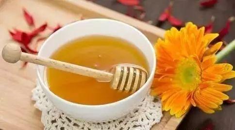 过年送蜂蜜的广告 酥油蜂蜜 蜂蜜柠檬用什么水冲 枇杷蜂蜜价格 正确喝蜂蜜