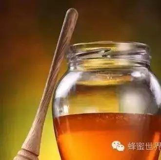 孕期能喝柠檬蜂蜜水吗 一岁的宝宝能喝蜂蜜吗 蜂蜜结晶泡柠檬 蜂蜜生姜水晚上能喝吗 橄榄蜂蜜皂