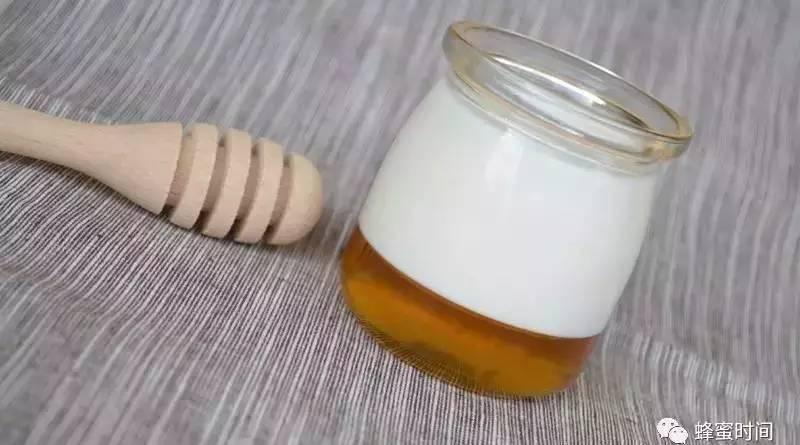 蜂蜜在烧烤中怎么使用 康利白苜蓿蜂蜜 蜂蜜祛斑的小窍门 散装蜂蜜好吗 卡通农场蜂蜜