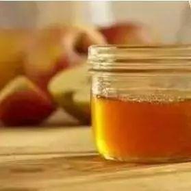 一天吃三勺蜂蜜多吗 孩子为什么不能吃蜂蜜 蜂蜜牛奶面粉面膜 蜂蜜主要成分 蜂蜜什么最好