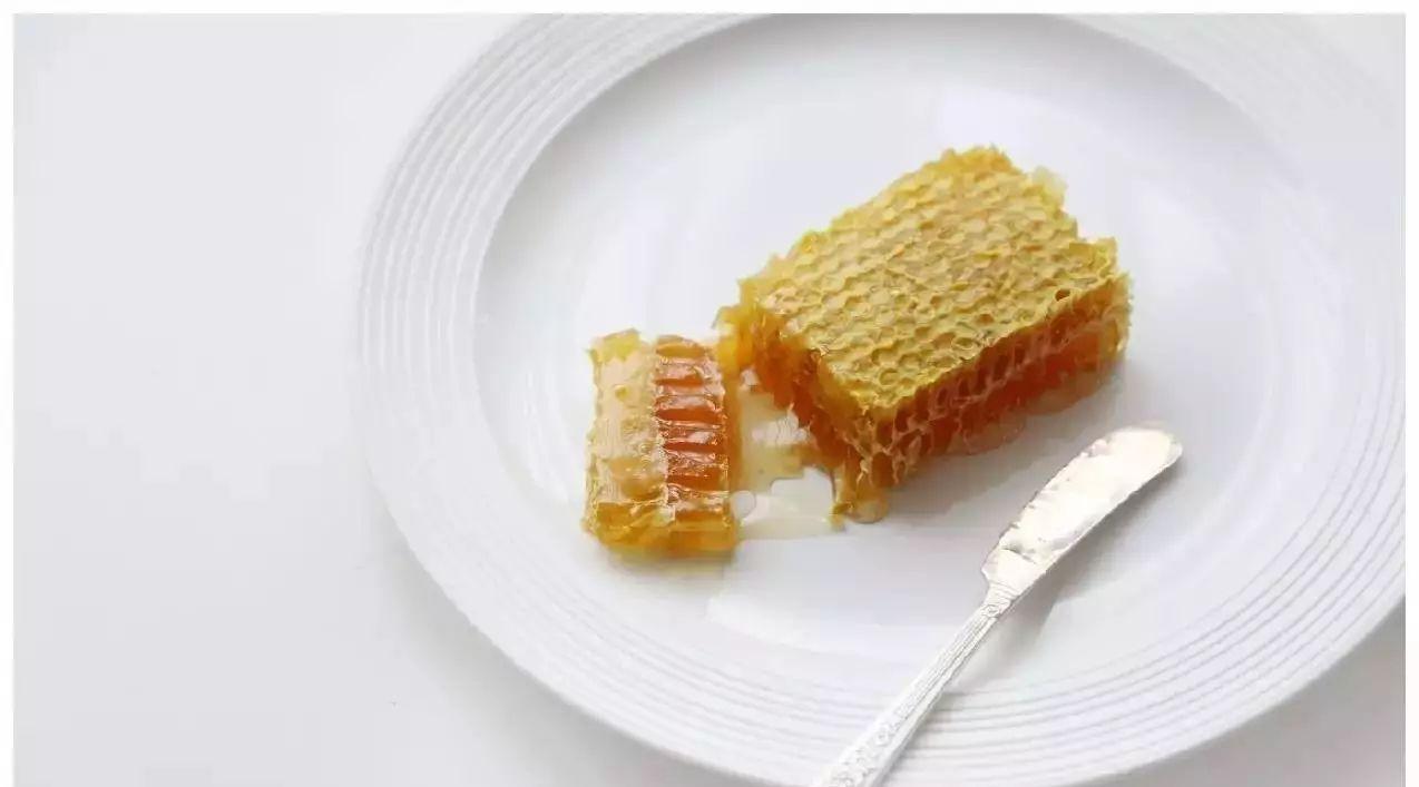 """嚼着吃的蜂蜜 号称""""鼻炎杀手"""""""