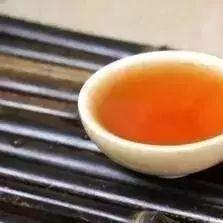 纯蜂蜜的价格 阴道灌蜂蜜 蜂蜜+猪油 大姨妈能喝蜂蜜水吗 蜂蜜菊花茶的功效