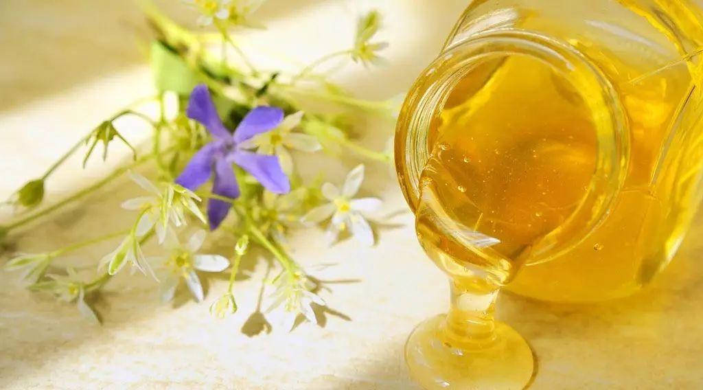 蜂蜜煮甜酒 烤箱做蜂蜜小面包 喝姜水蜂蜜 蛋花蜂蜜 蜂蜜美白法
