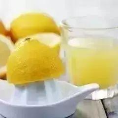 自制蜂蜜腌柠檬,让你白到发光