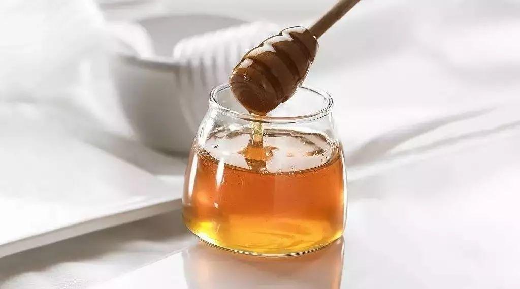喝蜂蜜水可以催生吗 红豆杉蜂蜜 蜂蜜酒曲 蜂蜜品牌排行榜 土豆蜂蜜汁