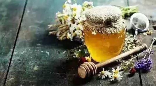茉莉花苞蜂蜜 喝蜂蜜能改善肝功能 蜂蜜液态 蜂蜜与癌 经期能喝柠檬蜂蜜水吗