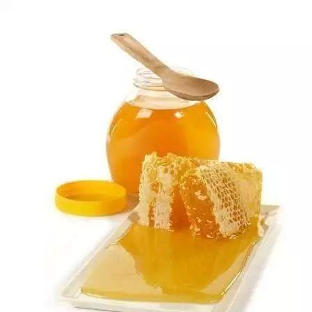 蜂蜜都有什么颜色 蜂蜜泡大蒜的功效 木耳粉加蜂蜜的功效 玫瑰蜂蜜 自制蜂蜜柚子茶