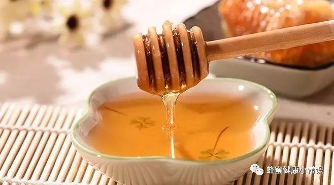 蜂蜜退烧 玫瑰花茶加蜂蜜变黑 蜂蜜用热水泡可以么 蜂蜜不加水直接吃 壹佰乐egebal百花蜂蜜