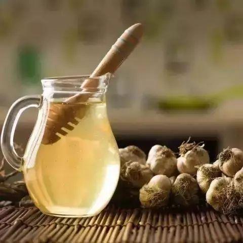枣花蜂蜜槐花蜂蜜 咳嗽敢喝蜂蜜水 2岁多宝宝可以喝蜂蜜吗 蜂蜜有花香味 bbc蜂蜜