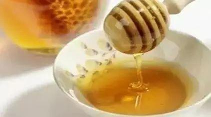 superbee蜂蜜 蜂蜜水可以退烧吗 炒栗子放蜂蜜吗 miele蜂蜜 蜂蜜作用