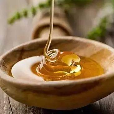 贵儒蜂蜜 桂花蜂蜜茶怎么做 蜂蜜罐枣树 蜂蜜喝多了会怎么样 蜂蜜面膜美白私处