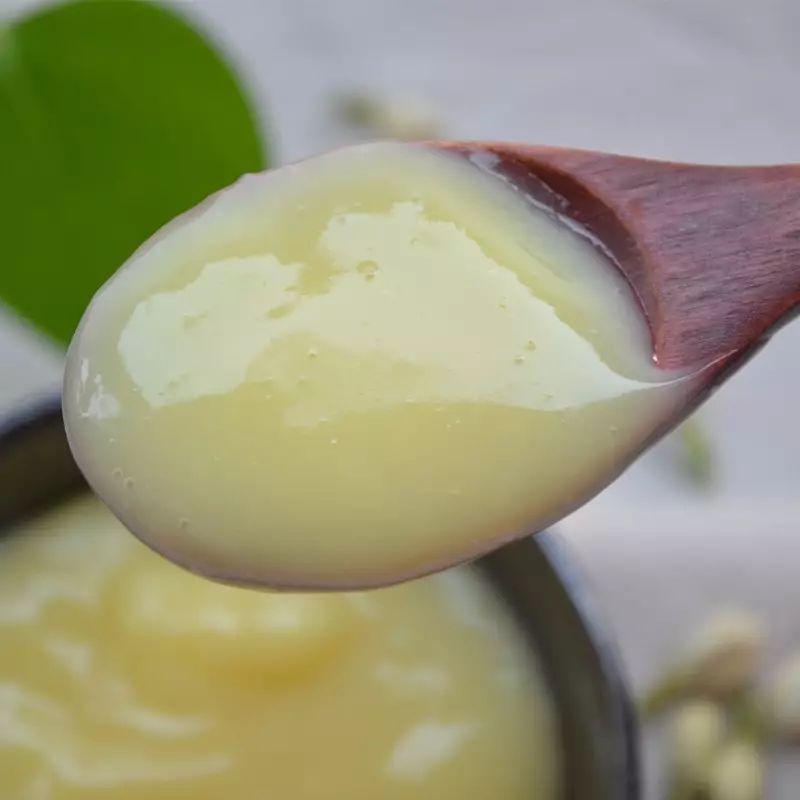 蜂蜜什么颜色好 柠檬蜂蜜绿茶功效 蜂蜜中的糠醛 泡柠檬蜂蜜的温度 蜂蜜鸡翅怎么烤
